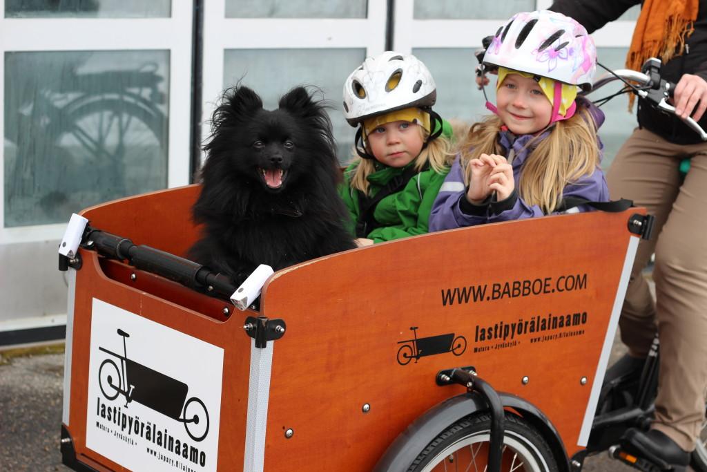 Liikkeelle lasten kanssa: Laatikkopyörien esittelyä ja koeajoa (12-13)
