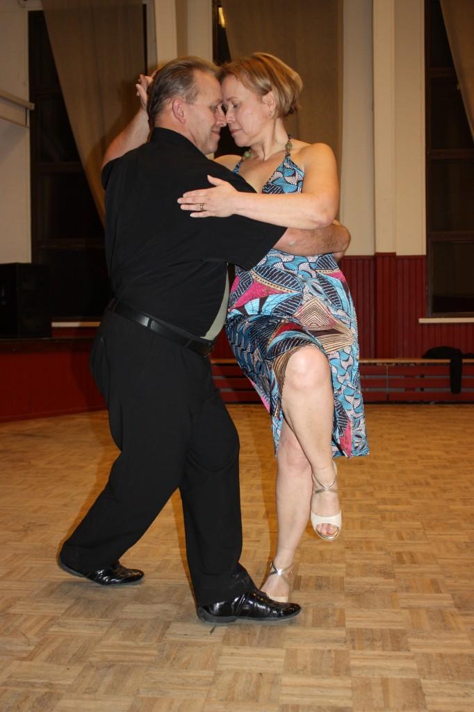 Tango Arcón ry: ensiaskeleita argentiinalaiseen tangoon